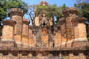 Po-Nagar-Cham-Towers-Khanh-Hoa-Vietnam-002.jpg
