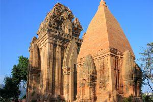 Po-Nagar-Cham-Towers-Khanh-Hoa-Vietnam-003.jpg