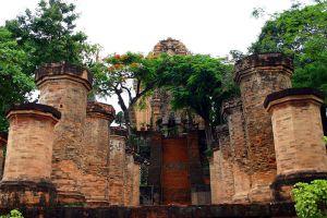 Po-Nagar-Cham-Towers-Khanh-Hoa-Vietnam-006.jpg