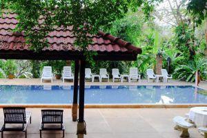 Pongsuda-Chalet-Kanchanaburi-Thailand-Pool.jpg