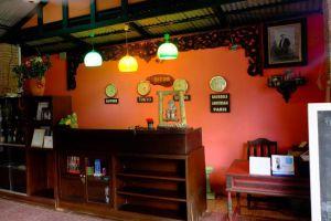 Pongsuda-Chalet-Kanchanaburi-Thailand-Reception.jpg