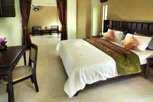 Poppa-Palace-Hotel-Phuket-Thailand-Room.jpg