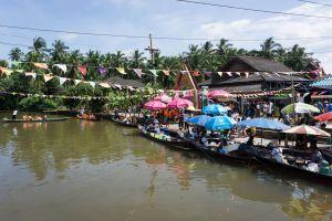 Pra-Cha-Rat-Traditional-Floating-Market-Suratthani-Thailand-02.jpg
