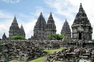 Prambanan-Temple-Compounds-Yogyakarta-Indonesia-001.jpg