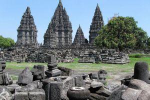 Prambanan-Temple-Compounds-Yogyakarta-Indonesia-002.jpg