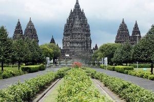 Prambanan-Temple-Compounds-Yogyakarta-Indonesia-005.jpg
