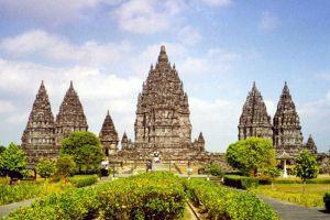Prambanan-Temple-Compounds-Yogyakarta-Indonesia-007.jpg