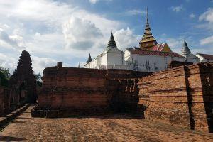 Prasat-Nakhon-Luang-Ayutthaya-Thailand-01.jpg