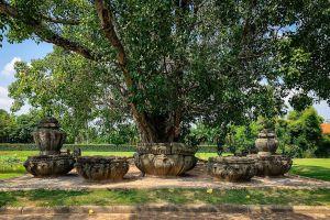 Prasat-Sikhoraphum-Surin-Thailand-03.jpg