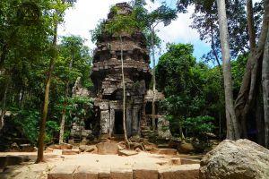 Prasat-Ta-Kwai-Surin-Thailand-01.jpg