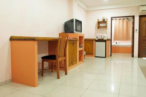 Prinz-Garden-Villa-Service-Apartment-Hua-Hin-Thailand-Living-Room.jpg