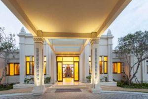 Pulchra-Resort-Danang-Vietnam-Entrance.jpg