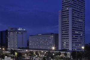 Pullman-Hotel-Jakarta-Indonesia-Facade.jpg