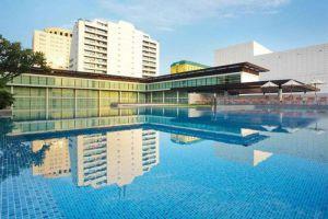 Pullman-King-Power-Hotel-Bangkok-Thailand-Pool.jpg