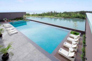 Pullman-Miri-Waterfront-Kuala-Belait-Brunei-Pool.jpg
