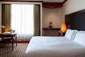 Pullman-Raja-Orchid-Hotel-Khon-Kaen-Thailand-Room.jpg