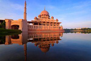 Putra-Mosque-Putrajaya-Malaysia-001.jpg