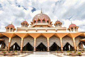 Putra-Mosque-Putrajaya-Malaysia-004.jpg
