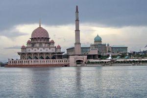 Putra-Mosque-Putrajaya-Malaysia-005.jpg