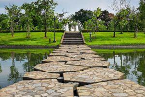 Queen-Sirikit-Park-Bangkok-Thailand-04.jpg