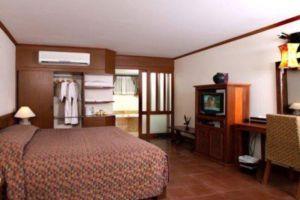 Rachawadee-Resort-Hotel-Khon-Kaen-Thailand-Room.jpg