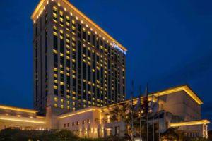 Radisson-Blu-Hotel-Cebu-Philippines-Facade.jpg