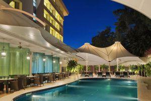 Radisson-Hotel-Bandar-Seri-Begawan-Brunei-Pool.jpg
