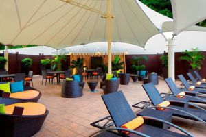 Radisson-Hotel-Bandar-Seri-Begawan-Brunei-Sundeck.jpg