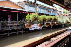 Rahaeng-Old-Market-Pathumthani-Thailand-01.jpg