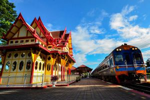 Railway-Station-Hua-Hin-Prachuap-Khiri-Khan-Thailand-005.jpg