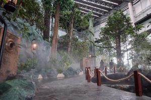 Rama-IX-Museum-Pathumthani-Thailand-06.jpg