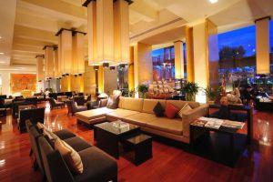 Ramada-Plaza-Menam-Riverside-Hotel-Bangkok-Thailand-Lobby.jpg
