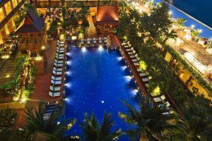 Ramada-Plaza-Menam-Riverside-Hotel-Bangkok-Thailand-Pool.jpg