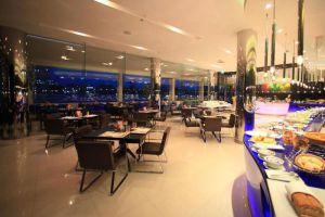 Ramada-Plaza-Menam-Riverside-Hotel-Bangkok-Thailand-Restaurant.jpg