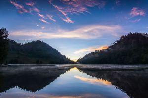 Ranu-Kumbolo-Lake-East-Java-Indonesia-004.jpg