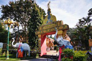 Rat-Buranaram-Temple-Wat-Chang-Hai-Pattani-Thailand-03.jpg