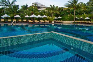 Ravindra-Beach-Resort-Spa-Pattaya-Thailand-Pool.jpg