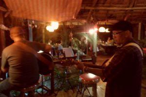 Red-Snapper-Restaurant-Lanta-Krabi-Thailand-005.jpg