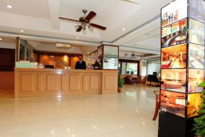 Regent-Ramkhamhaeng-Hotel-Bangkok-Thailand-Lobby.jpg