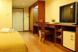 Regent-Ramkhamhaeng-Hotel-Bangkok-Thailand-Room-Amenity.jpg