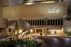Regent-Singapore-Four-Seasons-Hotel-Orchard-Singapore-Exterior.jpg