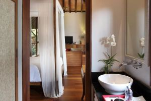 Renaissance-Resort-Spa-Samui-Thailand-Bathroom.jpg