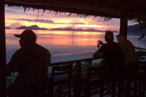 Republica-Sunset-Bar-Palawan-Philippines-06.jpg