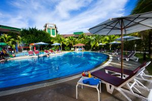 Resorts-World-Langkawi-Kedah-Pool.jpg