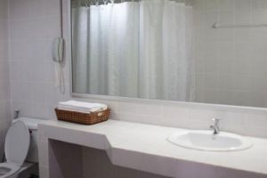 Rio-Residence-Bangkok-Thiland-Bathroom.jpg