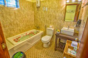 River-Bay-Villa-Siem-Reap-Cambodia-Bathroom.jpg