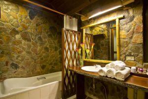 River-Kwai-Resotel-Kanchanaburi-Thailand-Bathroom.jpg
