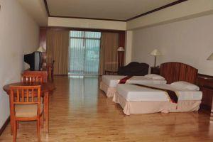 River-View-Place-Hotel-Ayutthaya-Thailand-Room.jpg