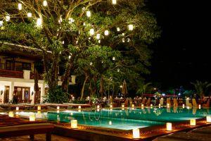 Riverside-Boutique-Resort-Vang-Vieng-Laos-Pool.jpg