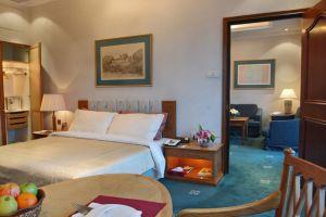 Riverside-Majestic-Hotel-Kuching-Sarawak-Club-Studio.jpg